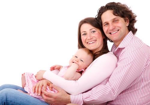 Vaikai poros santykius gali ir išskirti...