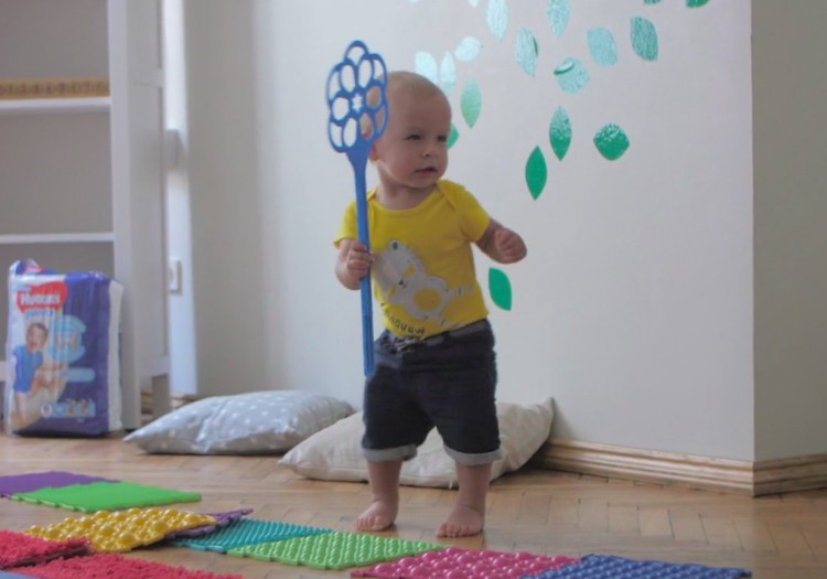 Pirmieji mažylio žingsneliai: VIDEO patarimai