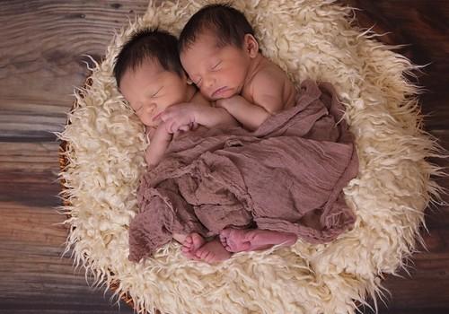 Monozigotiniai ir heterozigotiniai dvyniai: kuo jie skiriasi?
