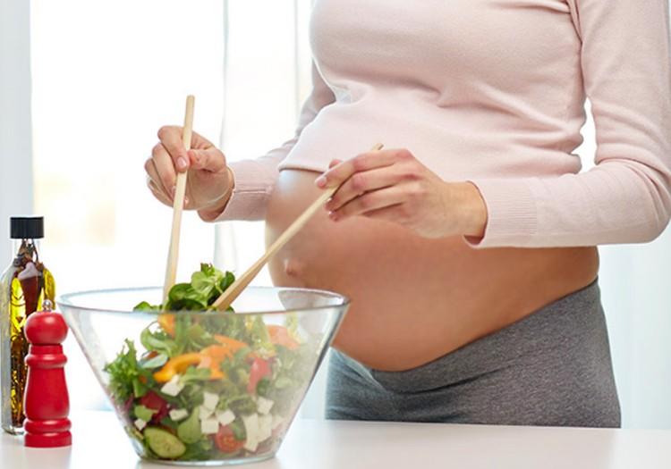 10 svarbiausių vitaminų ir mineralų būsimos mamos lėkštėje