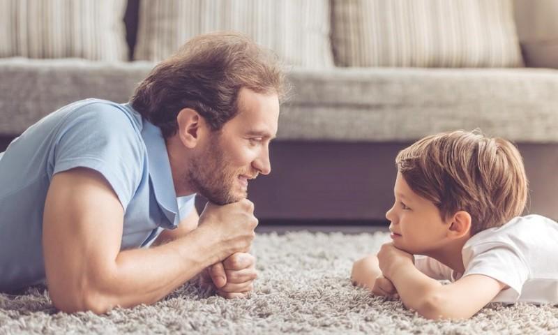 Kaip tėvo vaidmuo veikia berniukų emocinį pasaulį?