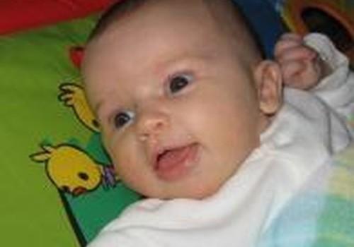 Trijų mėnesių dukrytė neguguoja