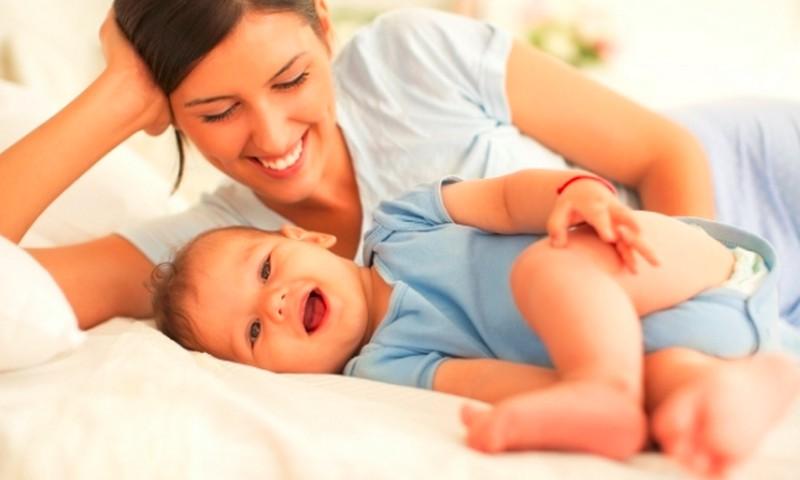 Mama: Kodėl atsirado pieno krūtyse, jei nebežindau pusę metų?