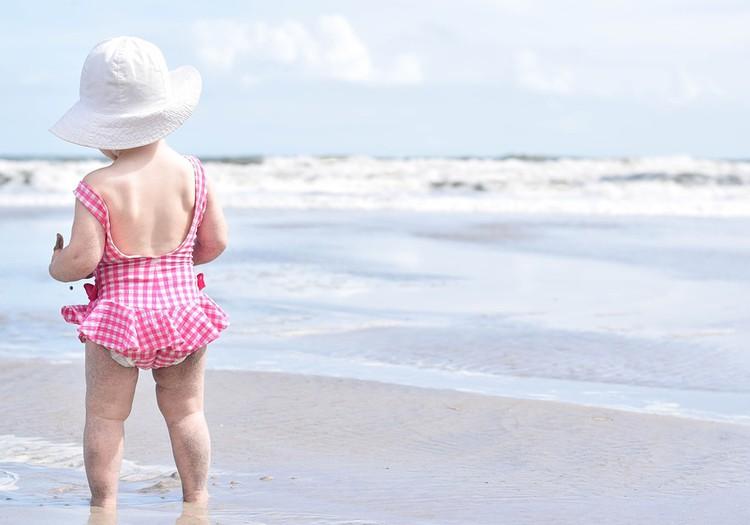Pirmoji pagalba, kai vaikui saulės smūgis