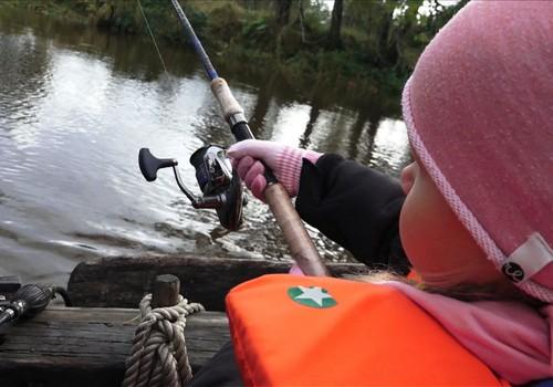 Mamyčių klubas Rusnėje: žvejybos pamoka laive