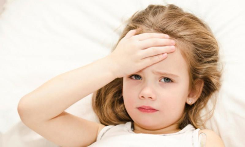 """Psichologė: Susirgus vaikui nedera jo """"pririšti prie lovos"""""""