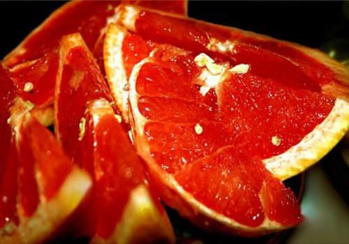 Kokie vaisiai ir daržovės ypač reikalingi nėštutėms?