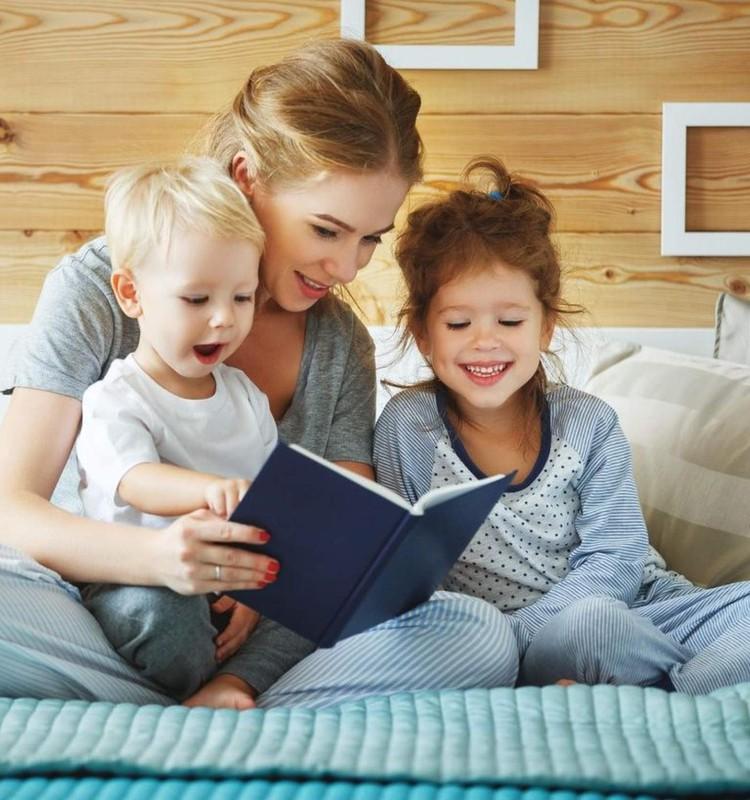 Pasakų prieš miegą svarba: patarimai tėvams, kaip sukurti malonų ir naudingą ritualą