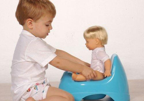 Tėvelių nusivylimas - mažylis nebenori sėstis ant puoduko. Kaip elgtis?