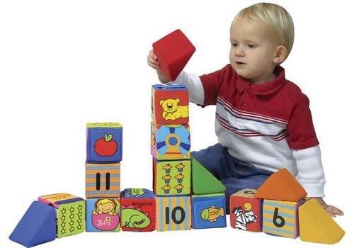 Papildomas prizas APKLAUSOJE apie vaiko mitybą - mokomosios kaladėlės iš LAVI.lt!