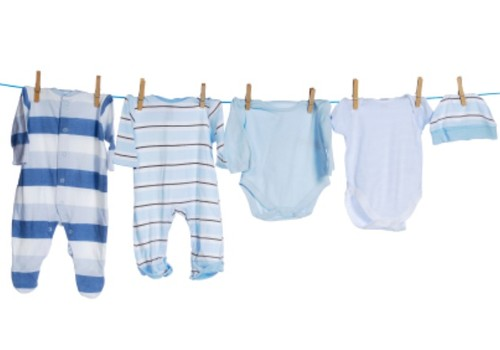 Kaip tinkamai prižiūrėti naujagimio drabužėlius?