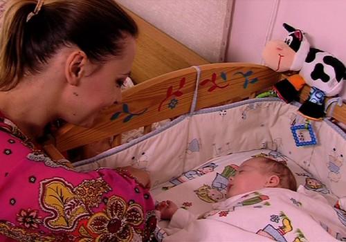 TV Mamyčių klubas 2014 10 18: apie verslią mamą Eveliną, kūdikio verksmą ir rotavirusą