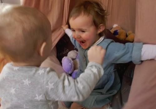VIDEO: Kaip elgtis, kad tarp vaikų šeimoje būtų daugiau taikos, neikonkurencijos?