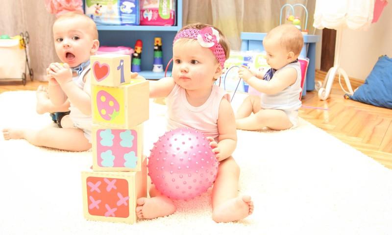 Mamytės, auginančios 1-3 mėnesių kūdikius, veskite VYSTYMOSI KALENDORIŲ