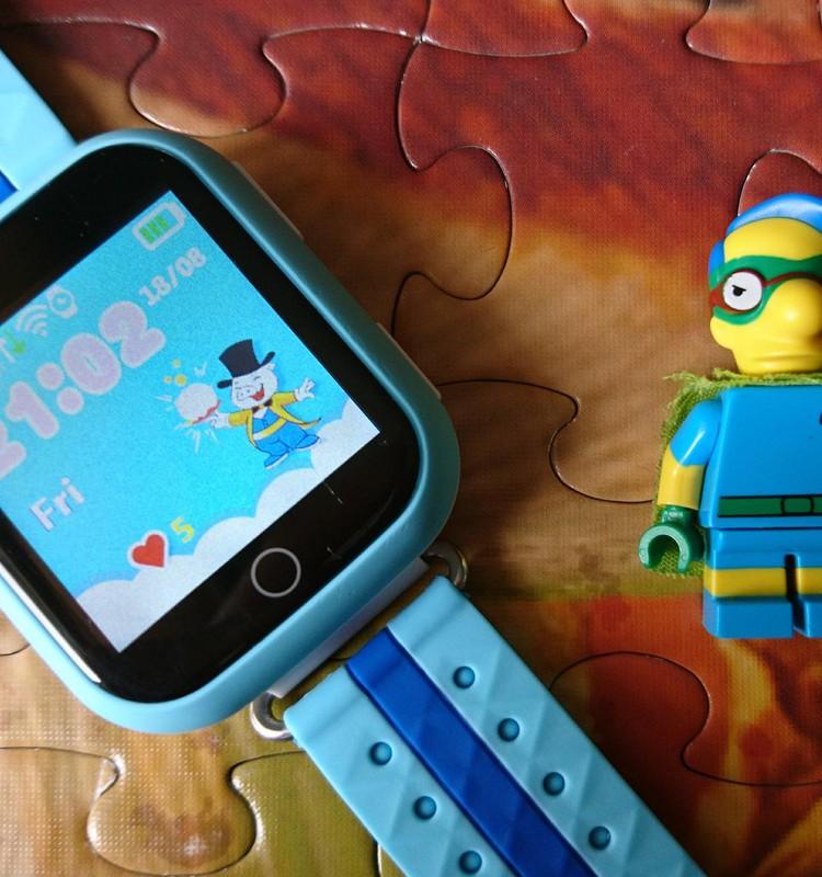 Išmanusis telefonas ar GPS laikrodukas? Kuo naudojasi Jūsų mokyklinio amžiaus vaikai?