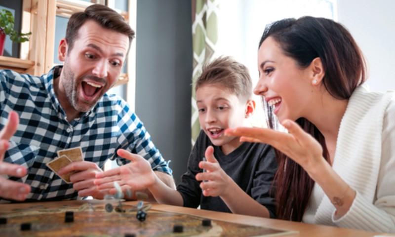 18 idėjų, ką veikti kartu su vaikais namuose