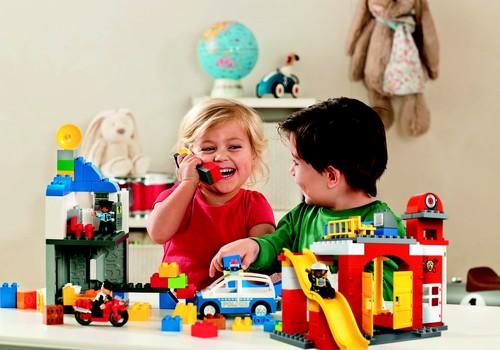 Žaidimas – tai vaikų darbas! + renkame LEGO® DUPLO laimėtoją