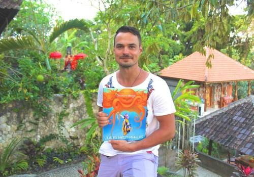 Leo Pobedonoscevas iš Bali siunčia dovaną vaikams