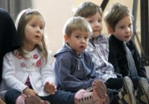 Kodėl verta mokyti vaikučius eilėraščių?