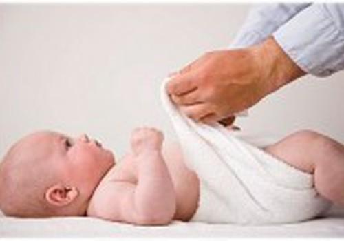 Žalios kūdikio išmatos: ar blogai