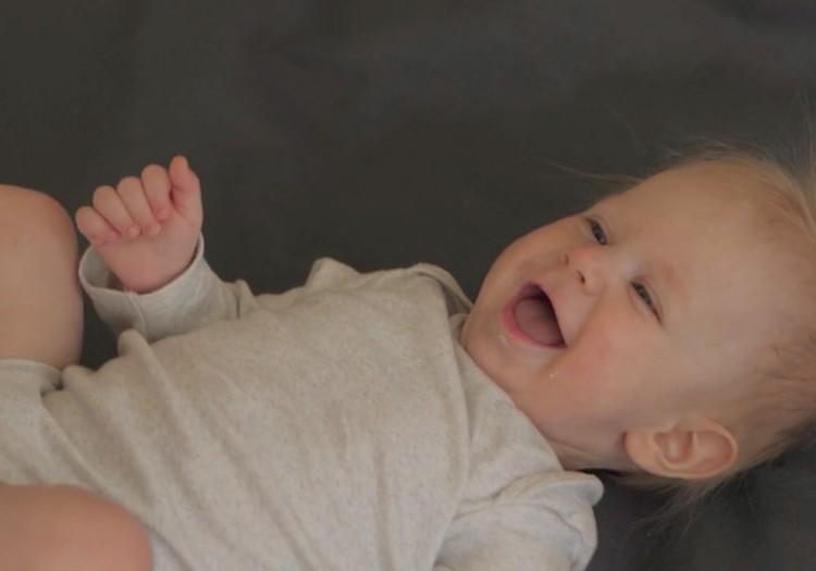 VIDEO: Kūdikio vystymosi vadovas: 6 mėnuo + konkursas