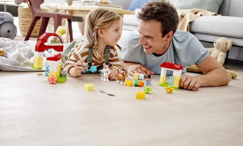 Kaip supažindinti vaiką su gyvūnų pasauliu? Pasidalinkite patarimais ir laimėkite LEGO® DUPLO®!