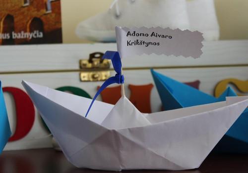 Adomo krikštynos: pro rakto skylutę