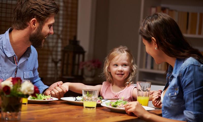 Kaip kasdieniame skubėjime atrasti laiko paprastiems šeimos vakarams?