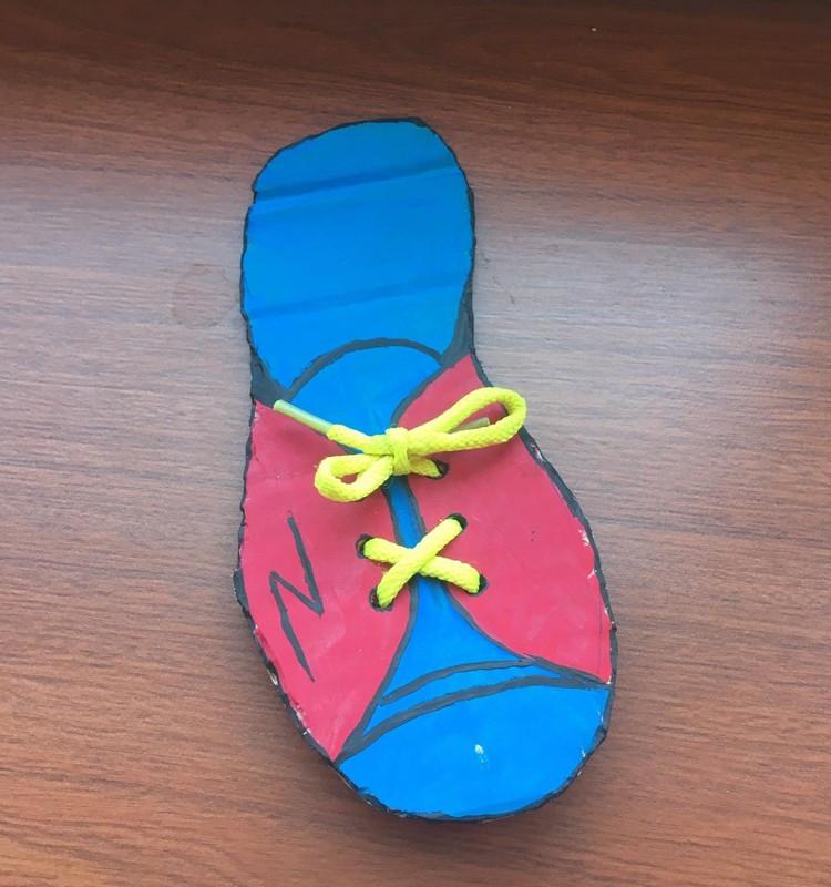Mokomės užrišti batus