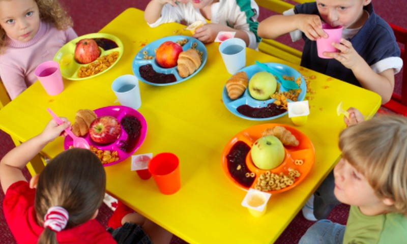 Darželiuose ir mokyklose nuo rugsėjo vaikai maitinsis sveikiau