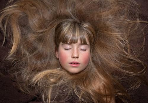 3 receptai, kaip plauti plaukus be šampūno