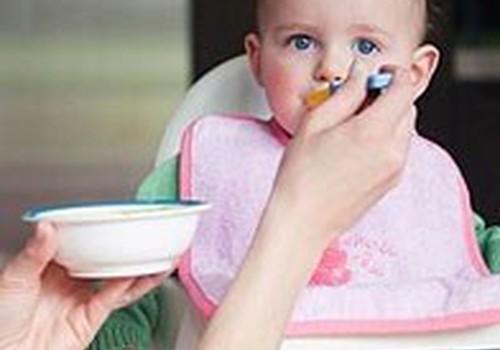 Ką 5 mėnesių kūdikiui siūlyti valgyti be mišinuko?