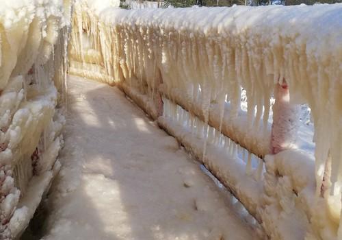 TOKIA MŪSŲ KASDIENYBĖ.  Tartum tiltas į ledo rūmus...