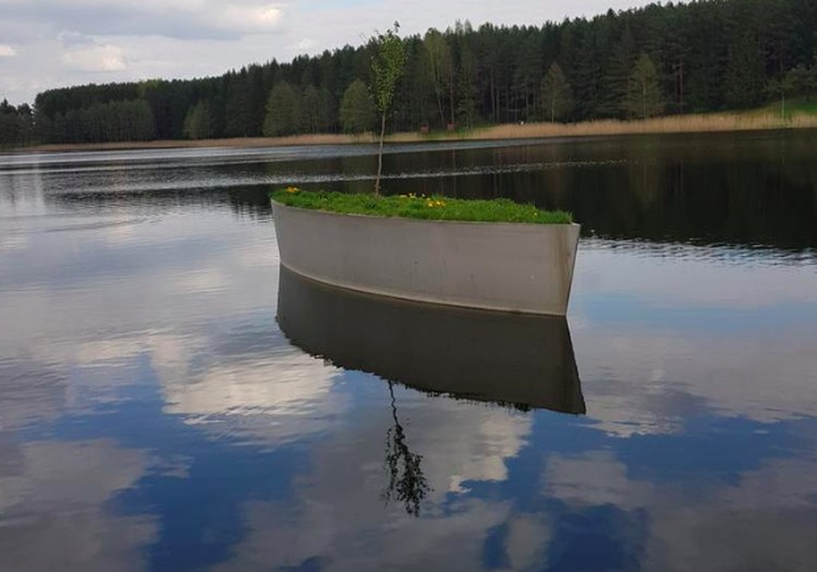 Ežerų krašte