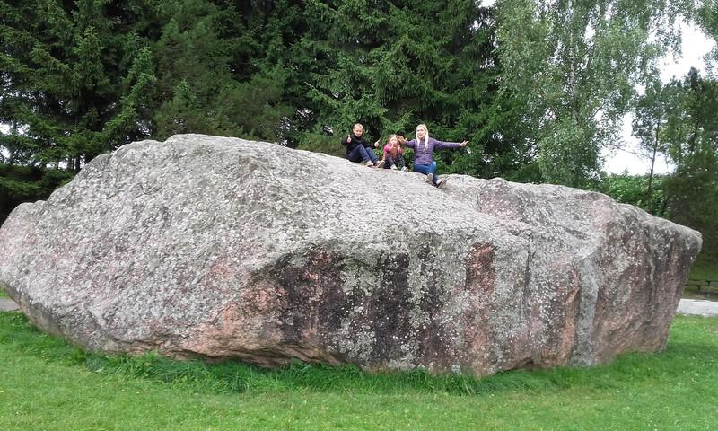 Barstyčių akmuo-Truikinių šaltinis-Apuolės piliakalnis-Mosėdžio akmenų muziejus-Orvidų sodyba