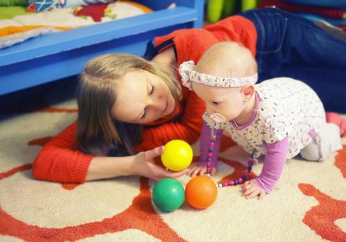 Jūs klausiate apie vaiko vystymąsi - kineziterapeutė atsako