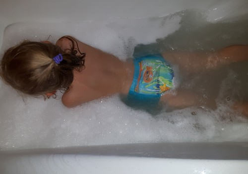 Bandome Huggies Little Swimmers kelnaites