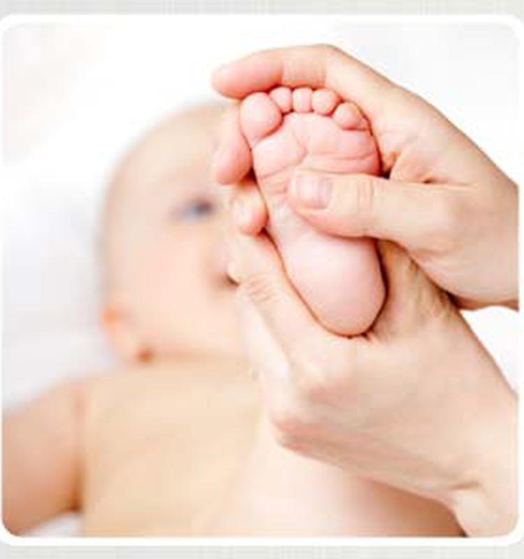 """Kūdikio mankšta ir masažas su """"Pukio"""" specialistais"""