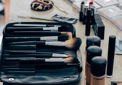Ekspertas pataria: svarbiausi žingsniai, kaip atgaivinti odą po naujametinio vakarėlio