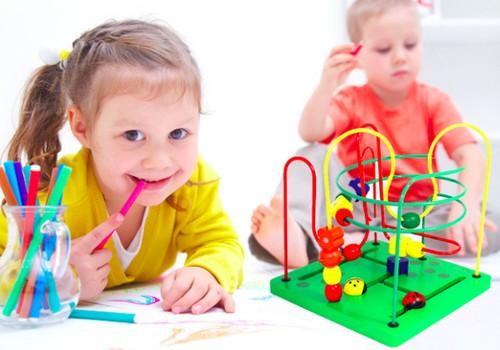 Išmokykime vaiką skirti spalvas žaisdami