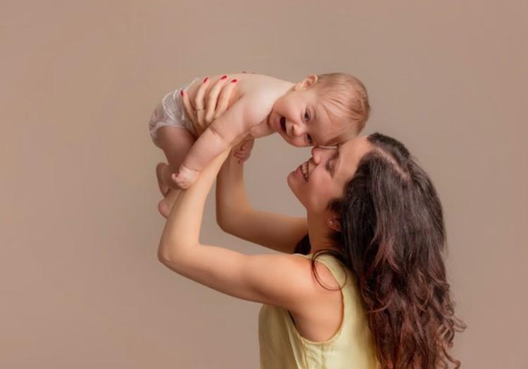 Žaidžiame su 2 mėnesių kūdikiu: kokie žaidimai naudingiausi?