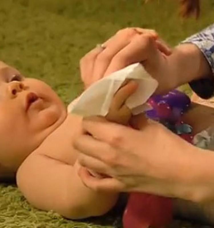Ką Tau reikia žinoti apie drėgnas servetėles vaikams?
