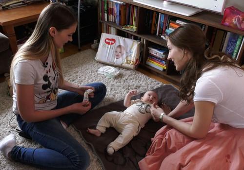 Kaip taisyklingai perrengti mažylį ir pakeisti sauskelnes?