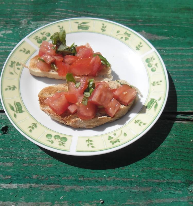 Bruscheta su pomidorais.