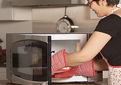 DISKUSIJA: Ar šildote mažylio maistą mikrobangų krosnelėje?