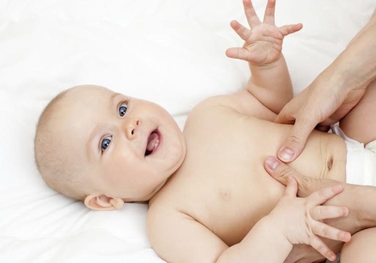 Kaip padėti kūdikiui, užklupus pilvo diegliukams?