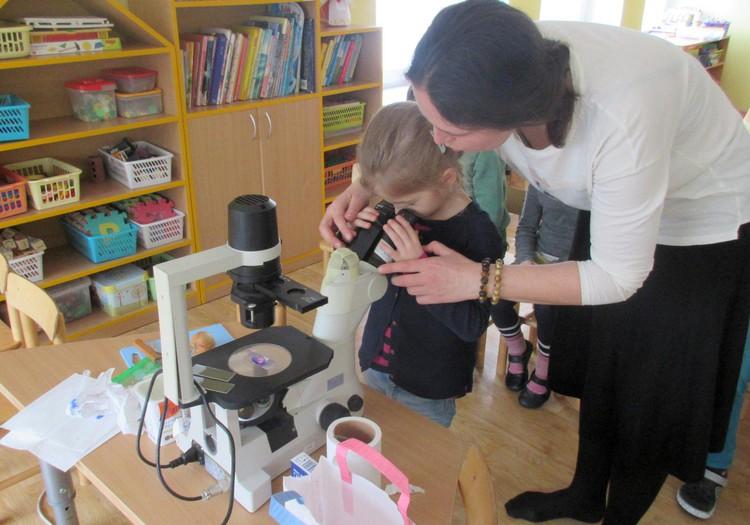 Vaikai tapo mažaisiais  mokslininkais nors valandėlei