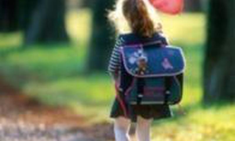 Kokio amžiaus vaikas pajėgus likti vienas namuose?