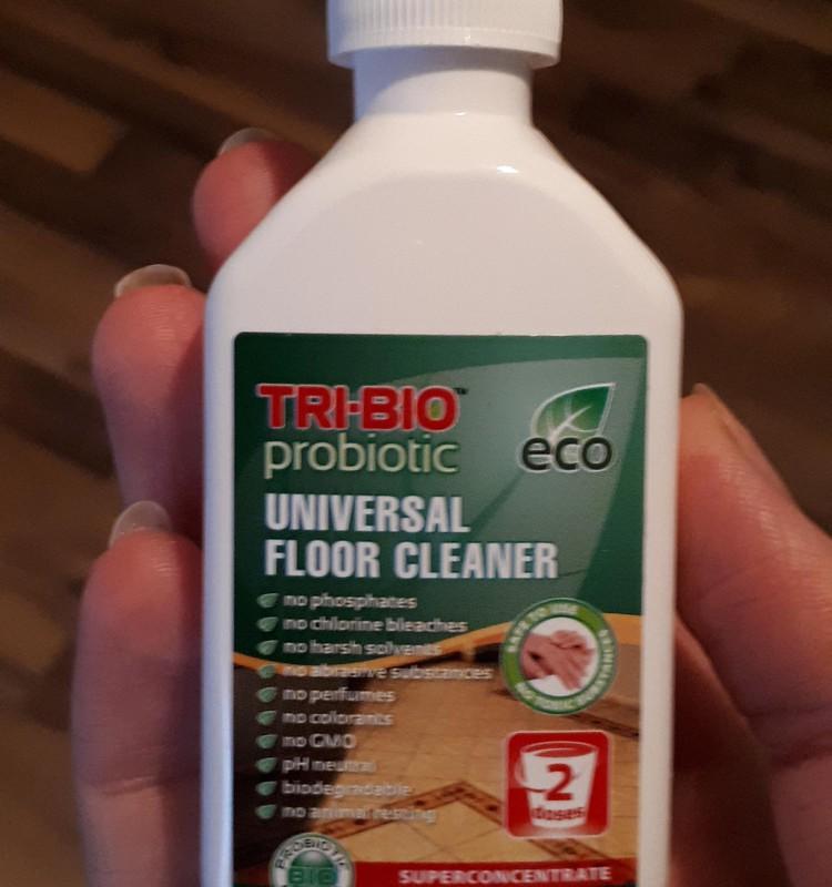 Testuoju TRI-BIO produkciją – Probiotinis EKO grindų ploviklis.