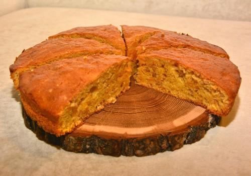 Šeimos pokalbiams – iš kartos į kartą keliaujantis močiutės morkų pyragas